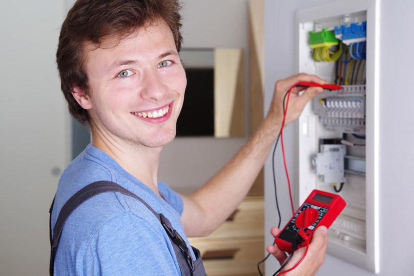 Ausbildung im Elektrohandwerk - EBE Elektrounternehmen Dresden